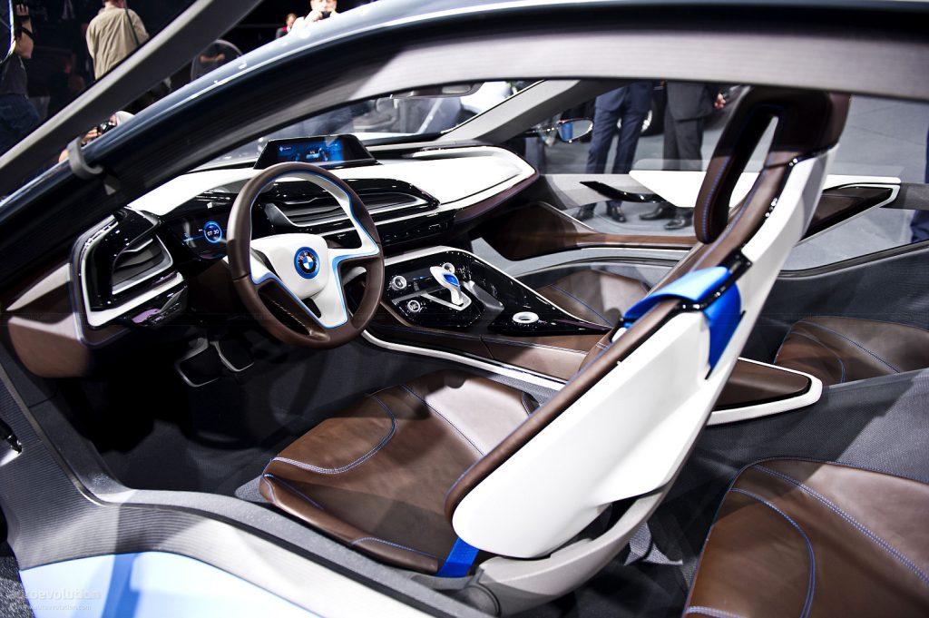 BMW i8 салон.