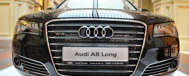 Audi A8 Long вид спереди.