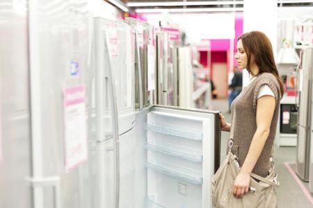 Какой холодильник лучше: Indesitили Атлант?