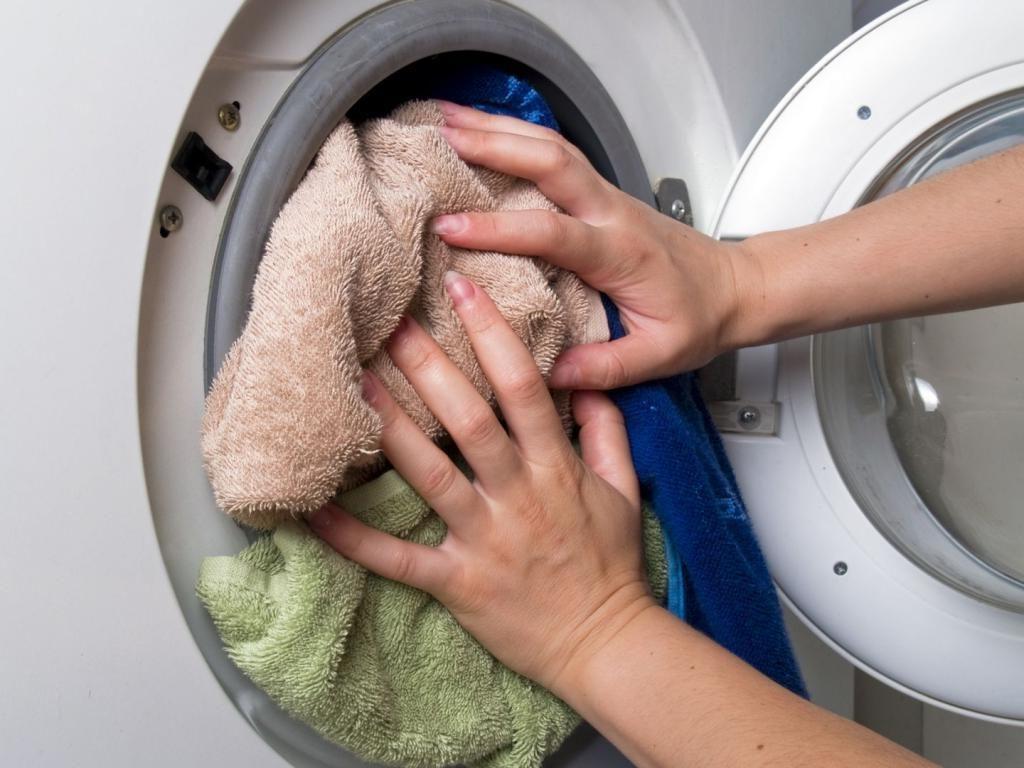 Перегруженая стиральная машина.