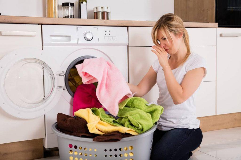 Как избавиться от запаха в стиральной машине.