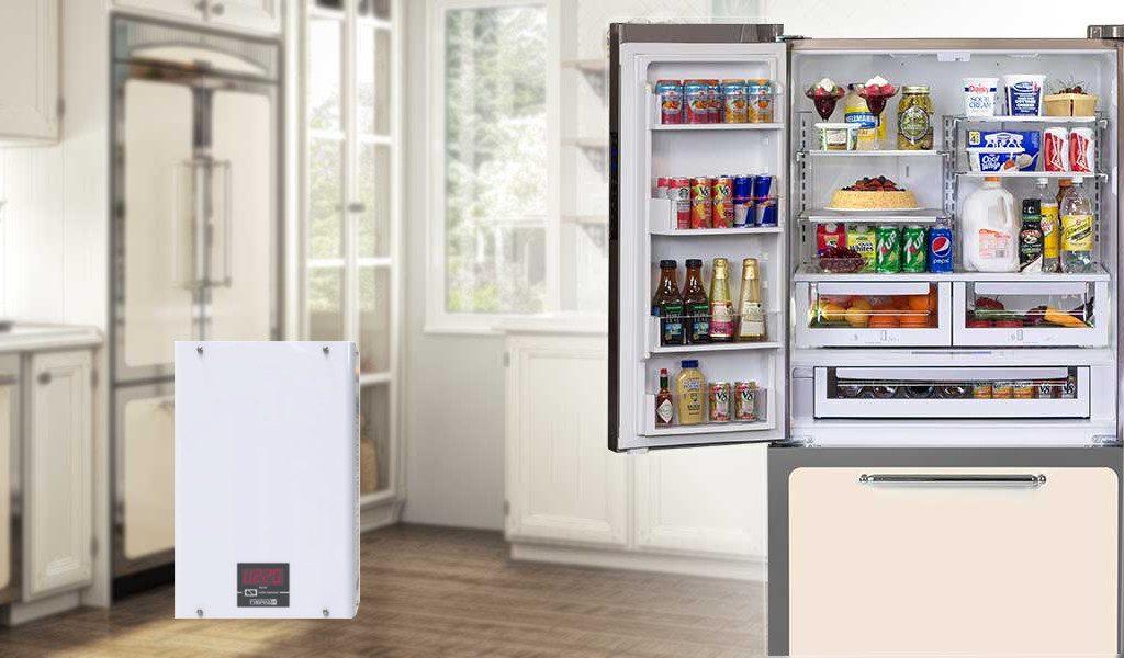 Холодильник и стабилизатор напряжения.