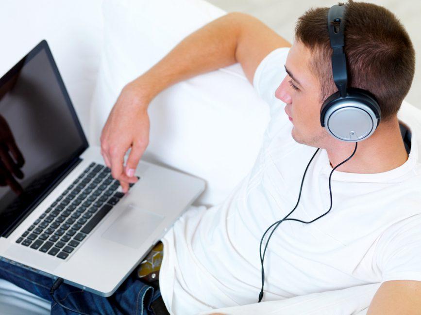 Что делать, если звук на ноутбуке стал тише?