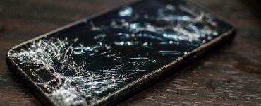 Мёртвый, слепой и лишний – триллер о худших смартфонах 2019 года