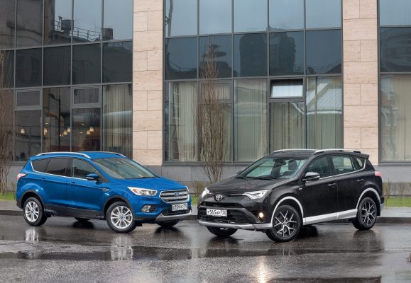 Ford Kuga и Toyota RAV4
