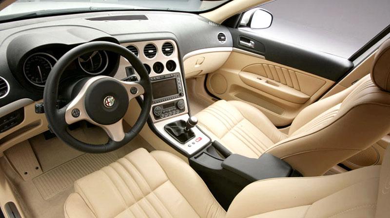 Картинки по запросу Alfa Romeo 159 салон