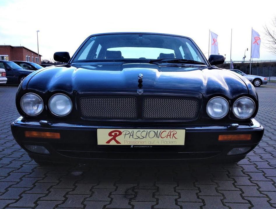 Jaguar XJ300 (Monaco XJS)