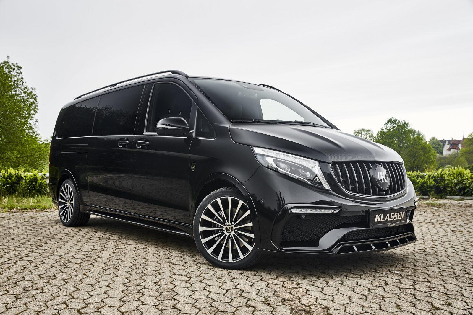 Чёрный Mercedes-Benz V-class