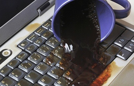 не работает клавиатура на ноутбуке пролили кофе