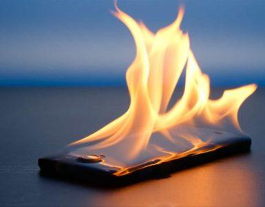 Горящий смартфон