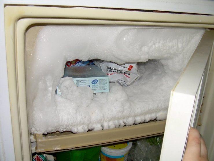Сколько времени размораживается холодильник, подготовка и инструкция
